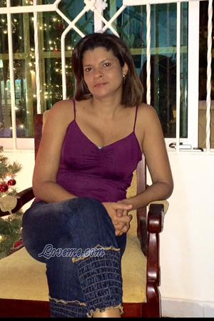 152747 - Yenis Age: 45 - Colombia
