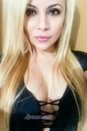 176798 - Anu Age: 40 - Colombia