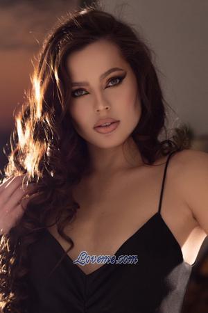 Beauty Ukrainian: Marianna from Kiev, Ukraine