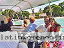 cartagena-women-boat-1104-14
