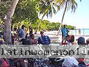 cartagena-women-boat-1104-20